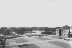 Blenheim, la cour d'honneur des Trois Acres, Achille Duchêne, 1901